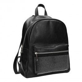 Černý batoh s kamínky