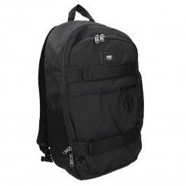 Černý batoh s přezkami